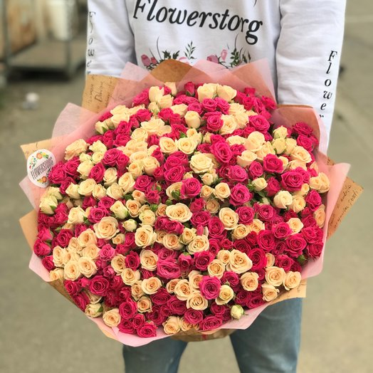 Кустовые розы. Монобукет.  49 кустовых роз. N200: букеты цветов на заказ Flowwow