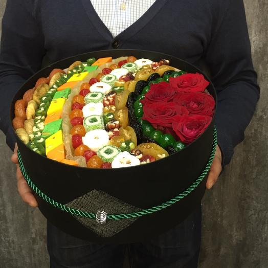 Коробка сухофруктов черная 30 см: букеты цветов на заказ Flowwow