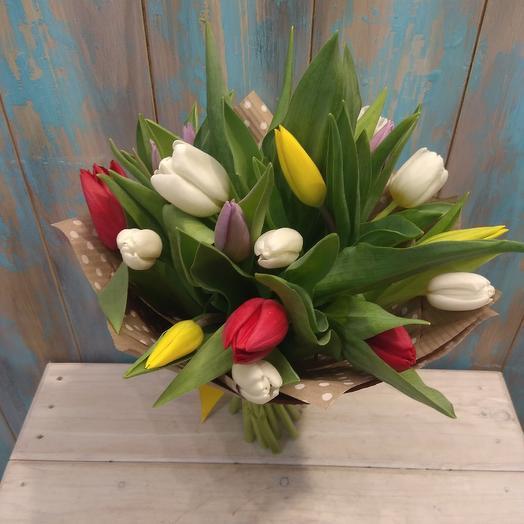 Букет из 21 тюльпана: букеты цветов на заказ Flowwow