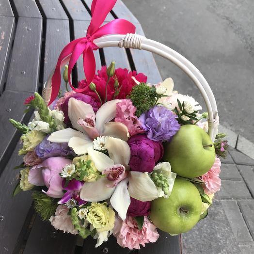 Необычная корзина: букеты цветов на заказ Flowwow