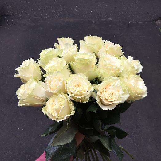 15 белых роз с пионовидным раскрытием: букеты цветов на заказ Flowwow