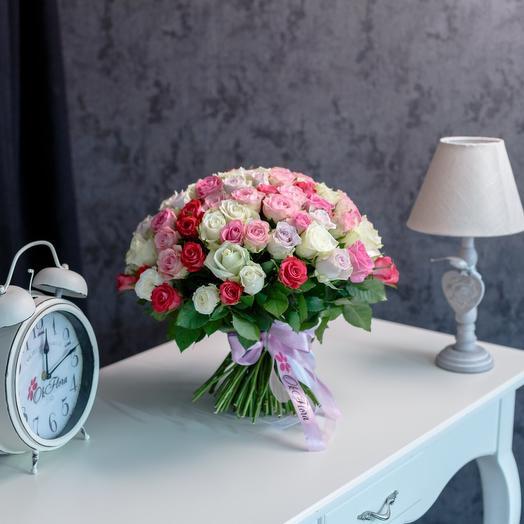 101 розы микс в светлых тонах с премиум доставкой: букеты цветов на заказ Flowwow