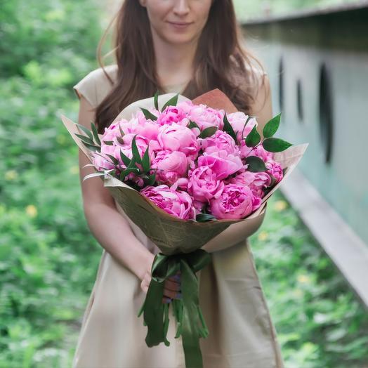 Пионы ярко-розовые: букеты цветов на заказ Flowwow