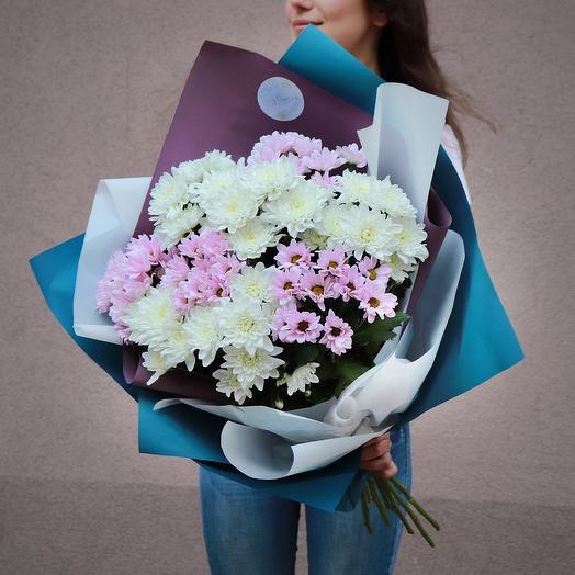 Цветочный букет с хризантемами