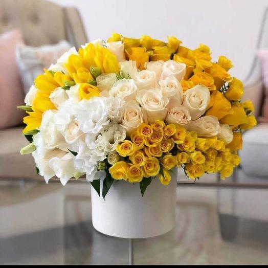 Желто-белый цвет любви: букеты цветов на заказ Flowwow