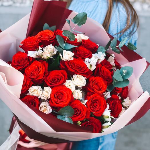 Классический букет из красных роз
