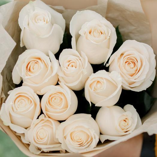 Букет из 11 белых роз (Эквадор) 50 см Vendela
