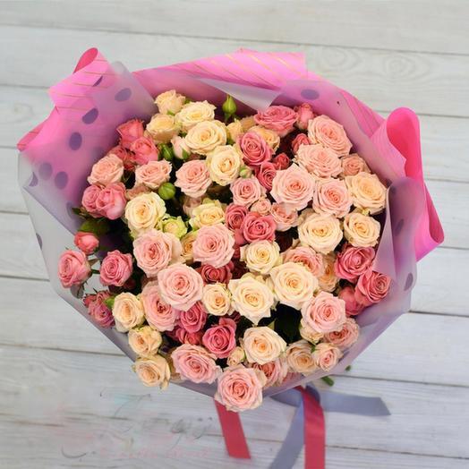 Нежный микс кустовых роз