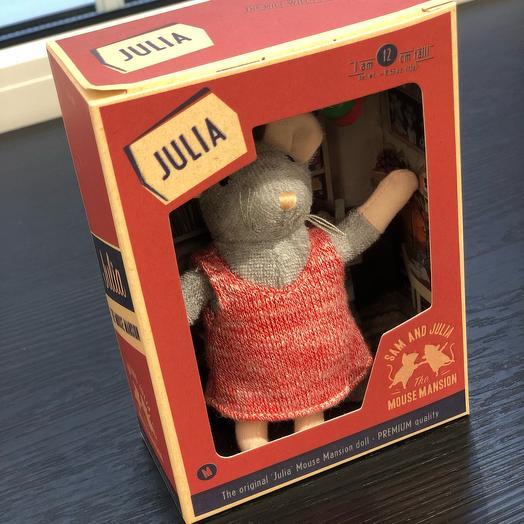 Мышка Юлия