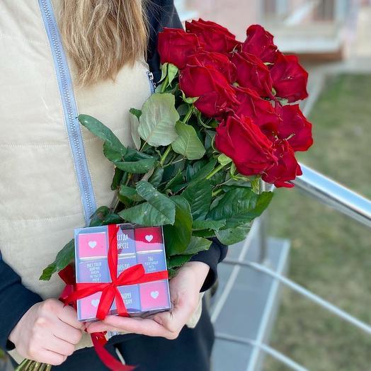 Розы красные + шокобокс ️