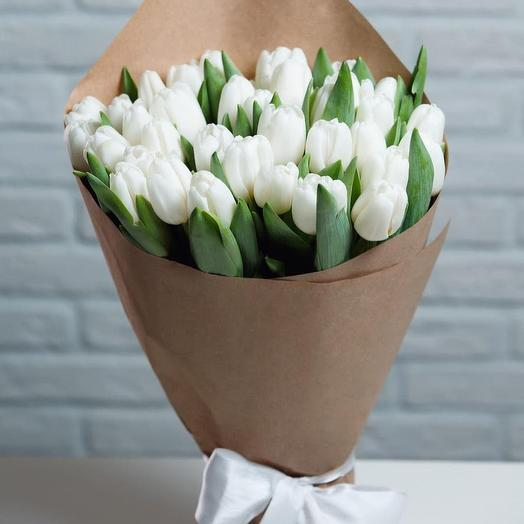 Bouquet of 31 white tulips