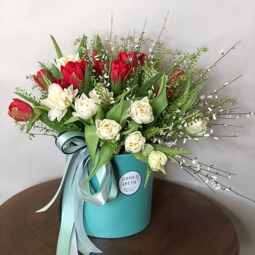 Цветы в коробке «Весна цвета Тиффани»