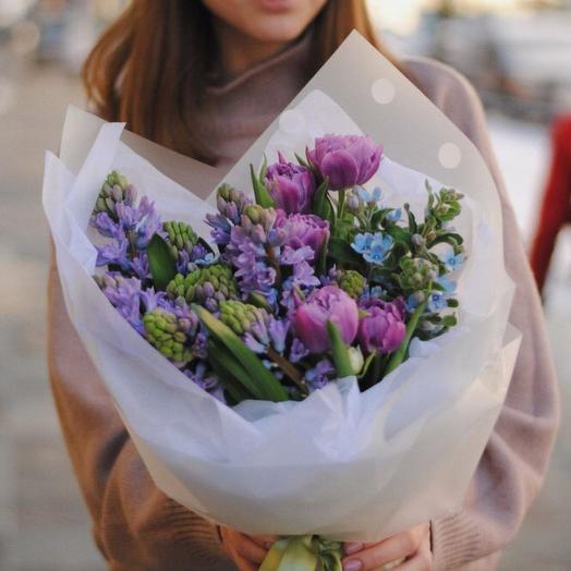 Полумоно с тюльпанами, гиацинтами и милыми деталями, размер М