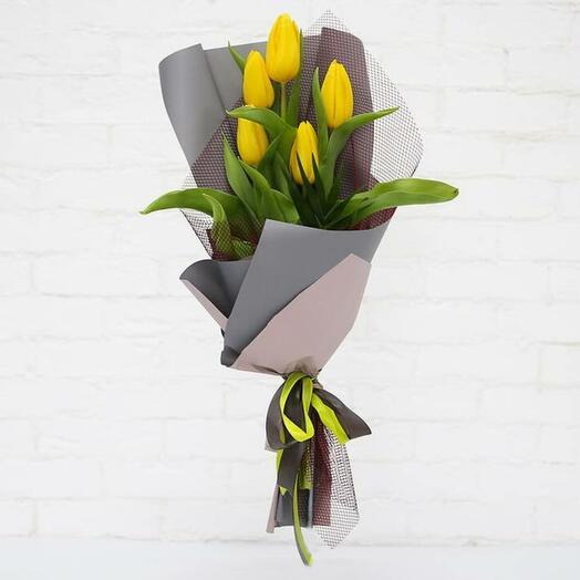 Букет 5 желтых тюльпанов
