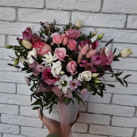 Цветы в коробке нежность