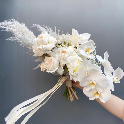 Букет невесты с орхидеей Фаленопсис