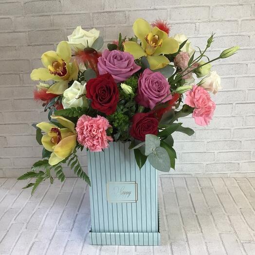 Цветы в коробке «Маркиза»