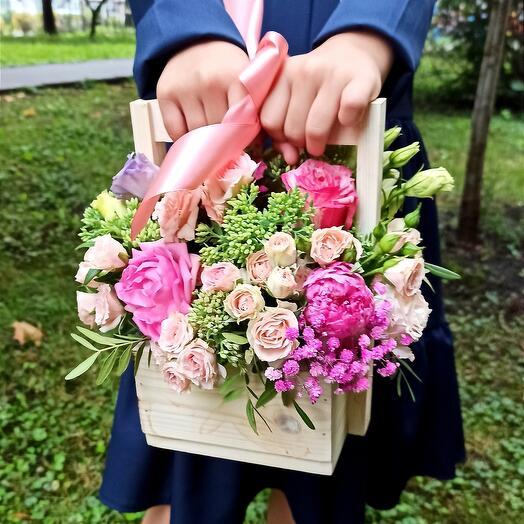 """Цветы в коробке """"Первый Звонок"""""""