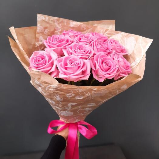 11 Роз «Аква» в сжатом крафте