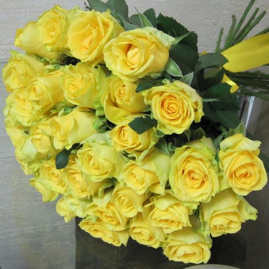 Букет из 35 желтых голландских роз 60 см: букеты цветов на заказ Flowwow