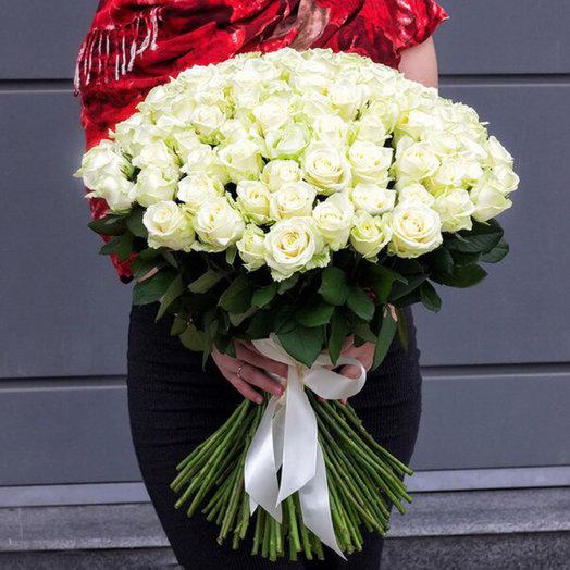 Букет из 51 белой голландской розы 60 см: букеты цветов на заказ Flowwow