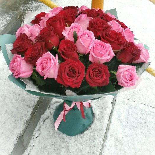 35 ароматных роз: букеты цветов на заказ Flowwow