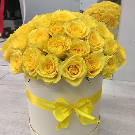 Коробка с желтыми розами 29 шт: букеты цветов на заказ Flowwow