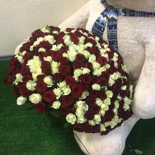 251 роза: букеты цветов на заказ Flowwow