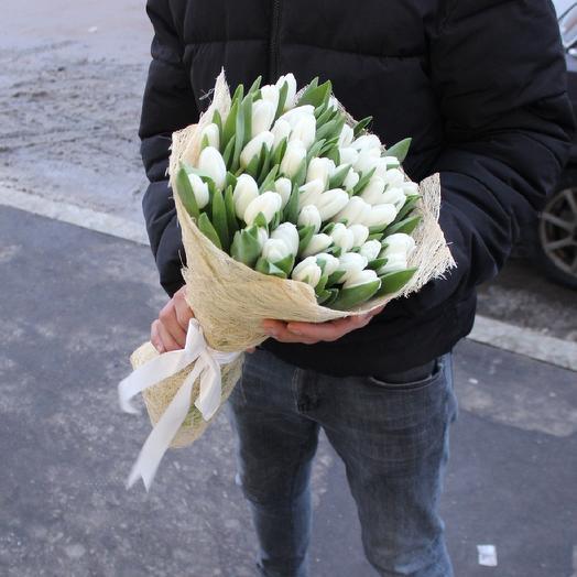 Белоснежные тюльпаны