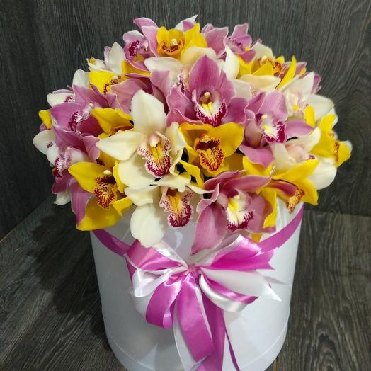 Коробка с орхидеями: букеты цветов на заказ Flowwow