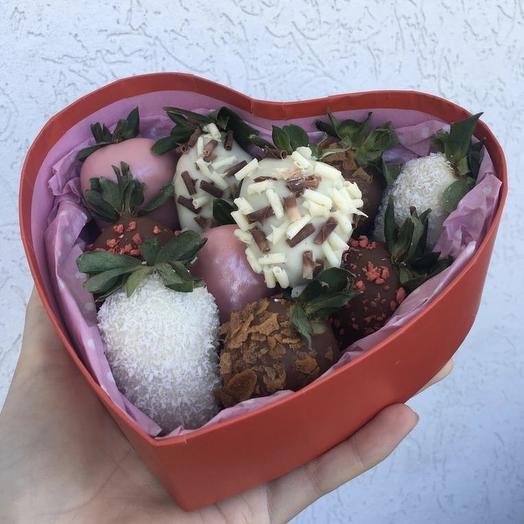 Клубничное сердце 💓: букеты цветов на заказ Flowwow