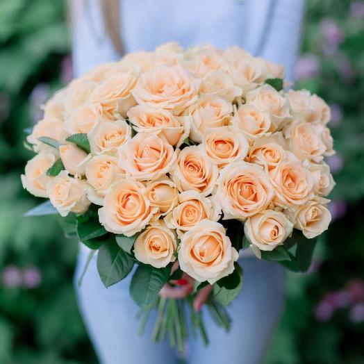 51 Кремовая роза: букеты цветов на заказ Flowwow
