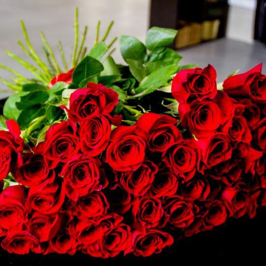 Шикарная красная роза 51 шт: букеты цветов на заказ Flowwow