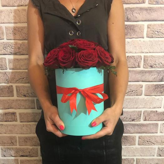 Коробочка Тиффани и 19 роз Блэк Наоми: букеты цветов на заказ Flowwow