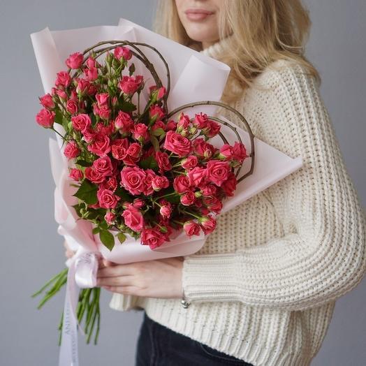 Букет-валентинка из кустовых роз: букеты цветов на заказ Flowwow