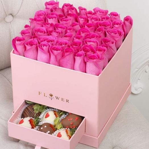 Розовая коробка с секретом: букеты цветов на заказ Flowwow