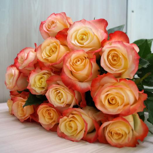 """15 роз """"Кабарэт"""""""