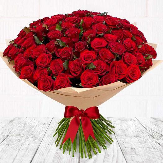 101 красная роза Рэд Наоми (50 см)
