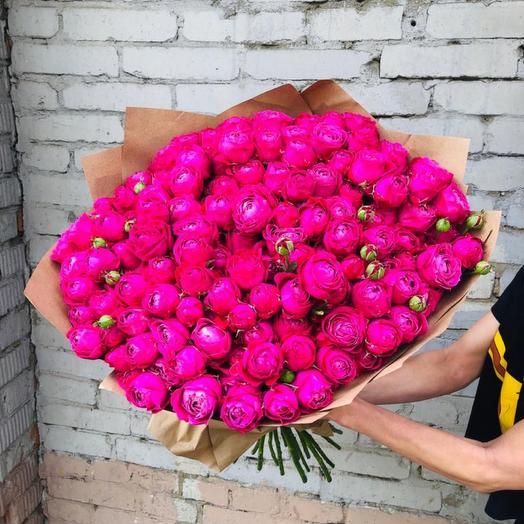 Роскошный букет из пионовидной кустовой розы
