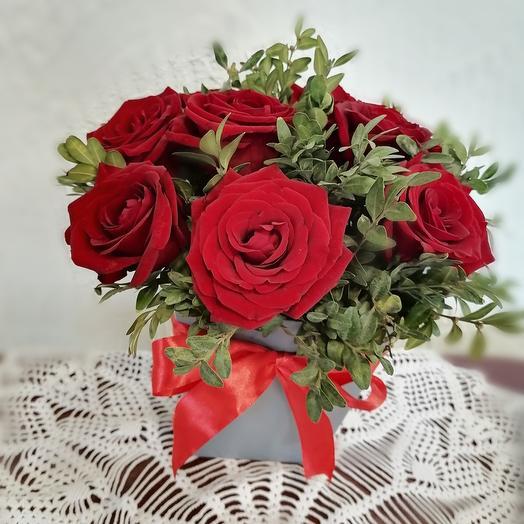 Красные розы нежности