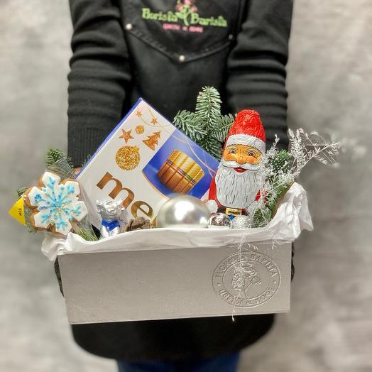 Подарочный набор со сладостями в серебристом ящичке ручной работы