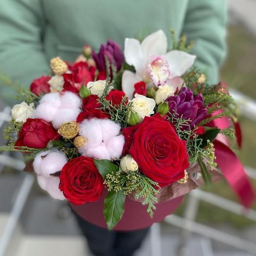Яркая композиция с розами