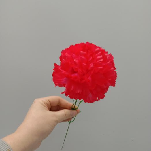 Красно розовая искусственная гвощдика