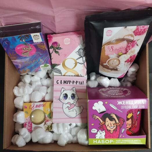 Подарочный набор на 8 марта с чаем