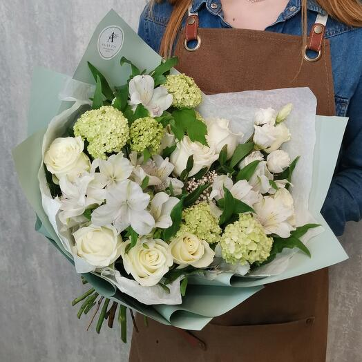 Author's bouquet of roses Kenya, alstroemeria, viburnum