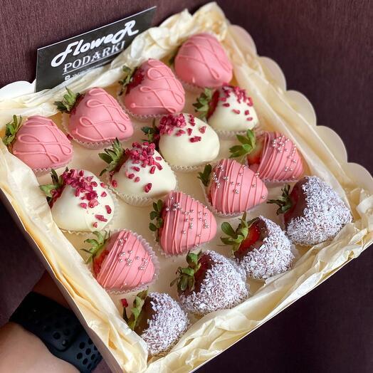 Клубничный box «Вкусная ягода»