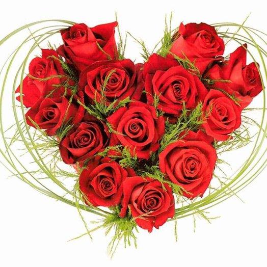 Композиция Мое сердце из красных роз и зелени Код 140031: букеты цветов на заказ Flowwow
