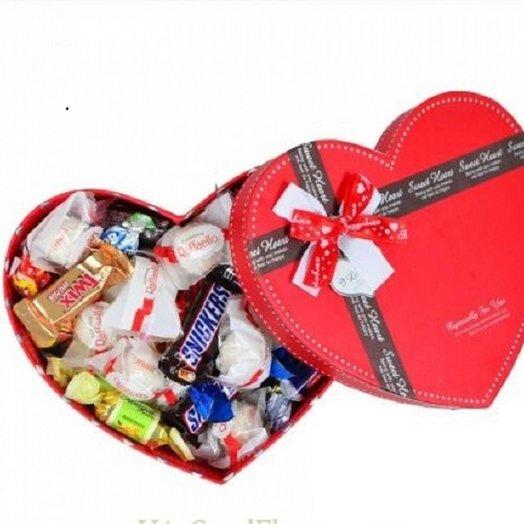 Сладкая коробка сердце