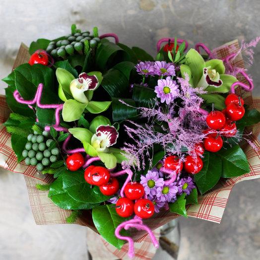 Букет - сердце с орхидеей
