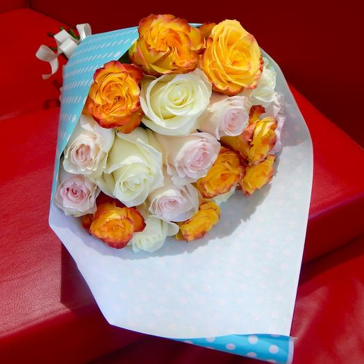 Букет из 21-ой розы микс: букеты цветов на заказ Flowwow